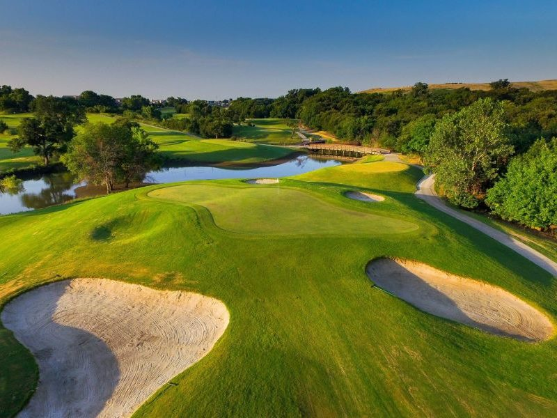Photo courtesy Coyote Ridge Golf Club.